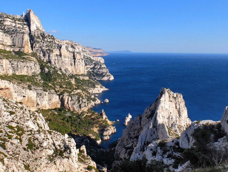 Organize your travel trip in Marseille with the blog calanques-cassis.fr