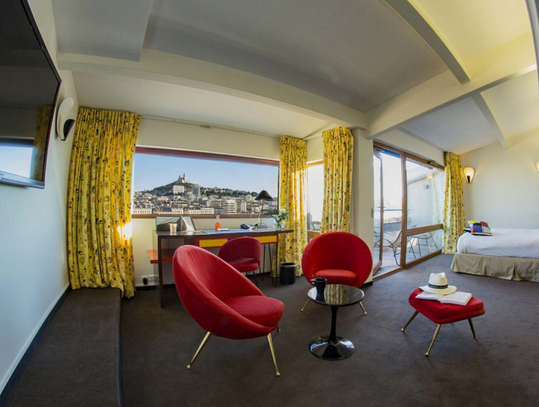 La Residence Marseille Hotel : the luxury charm of the corbusier style