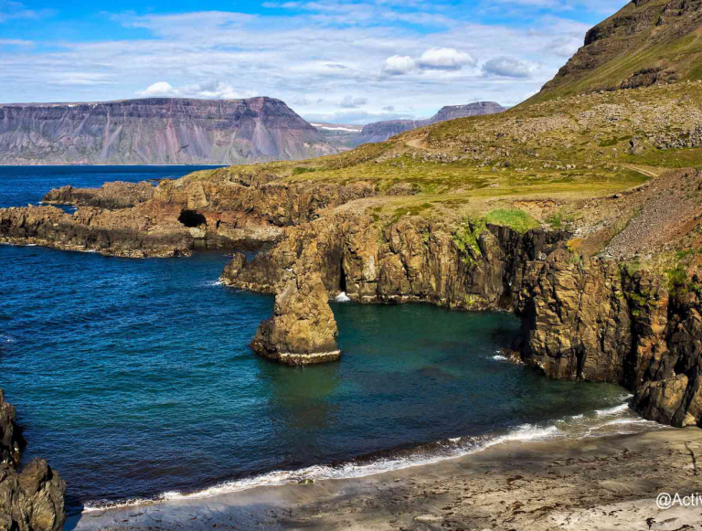 Discover the essentials of Iceland during a stay